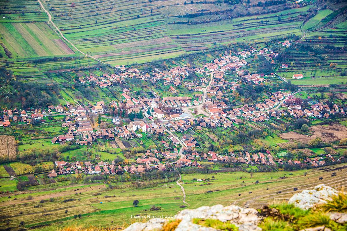 Satul Rimetea vazut de pe muntele Piatra Secuiului