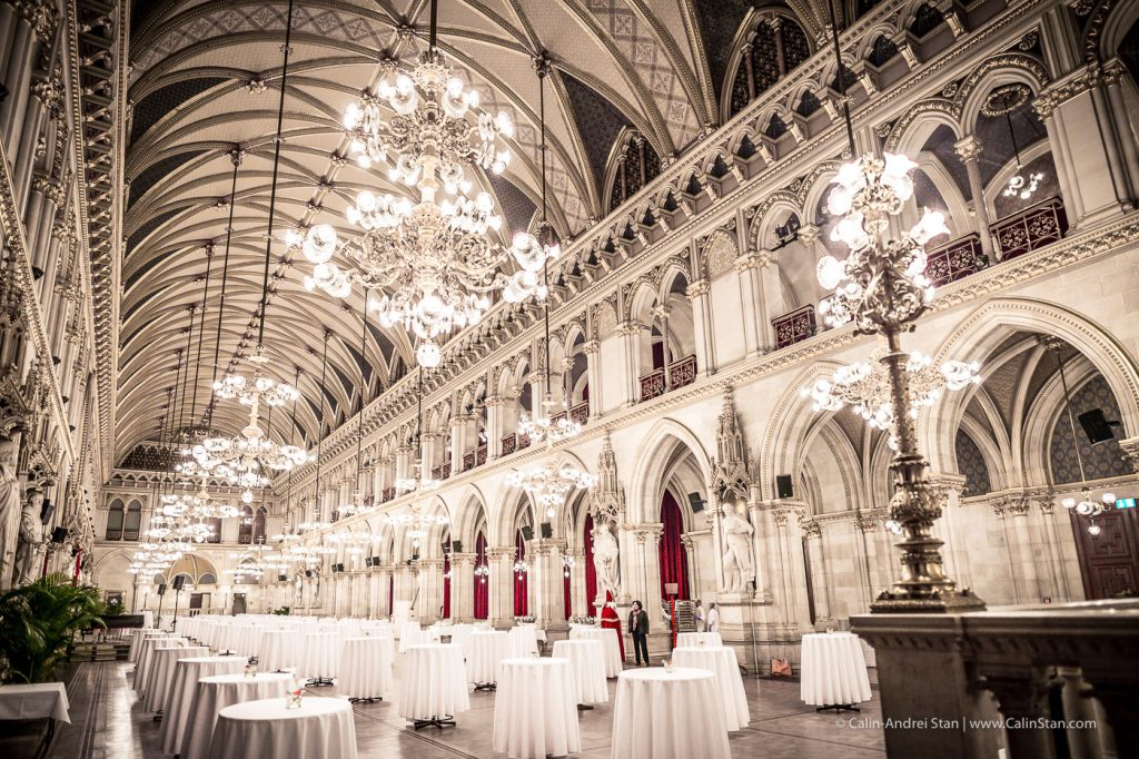 Sala de bal in cadrul Primariei din Viena. Credit foto: CalinStan.com
